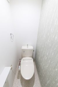 ナチュラルテイストのトイレ