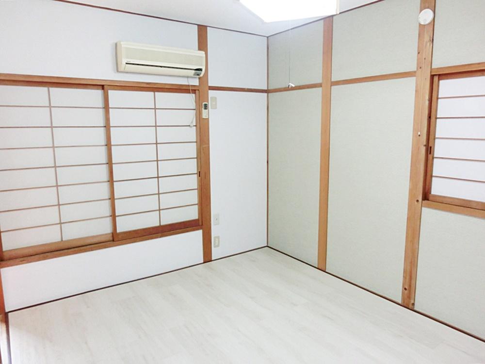 2階和室→洋室にリノベーション(ベランダ側)