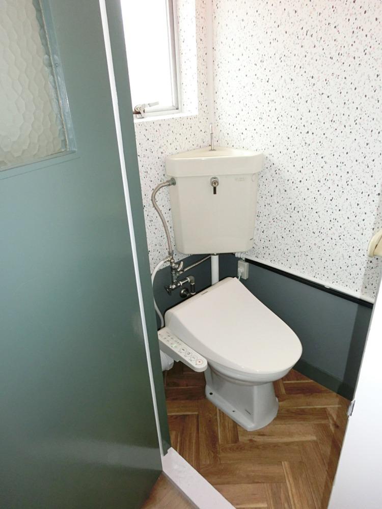 レトロな雰囲気のトイレ